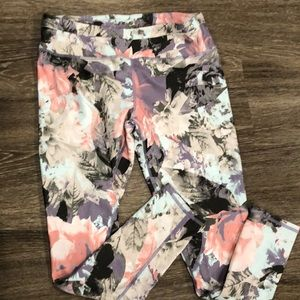 Spring floral print leggings. No tag from fabletic